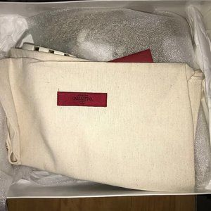 Valentino zeppa light invory rockstud  damaged box